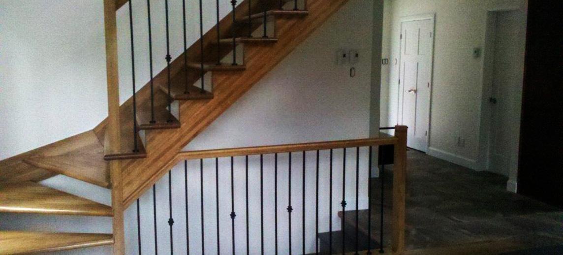 fabricant d escaliers sur mesure saguenay chicoutimi. Black Bedroom Furniture Sets. Home Design Ideas